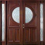Porte en bois roumain avec du verre et en couleur brun